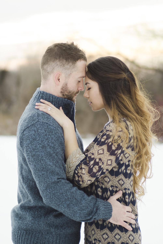 engagement-photo-snow