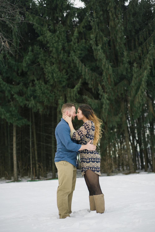 engagement-snow-kiss-photo