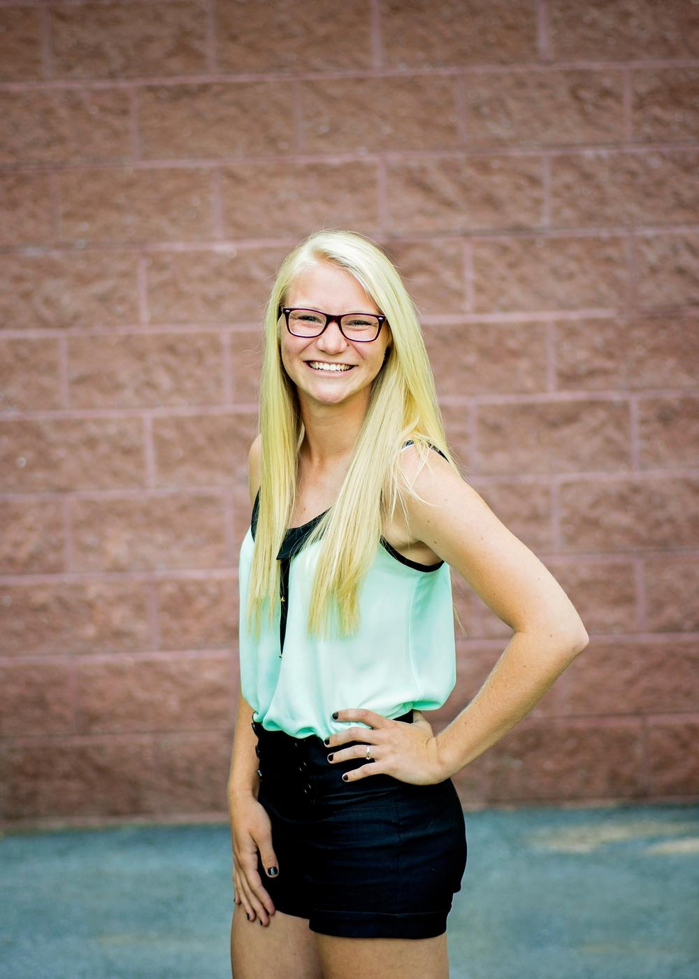 senior-photography-girl-outdoor