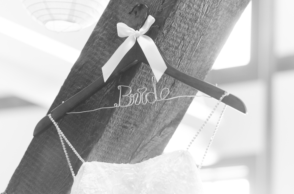 wedding-dress-hanger