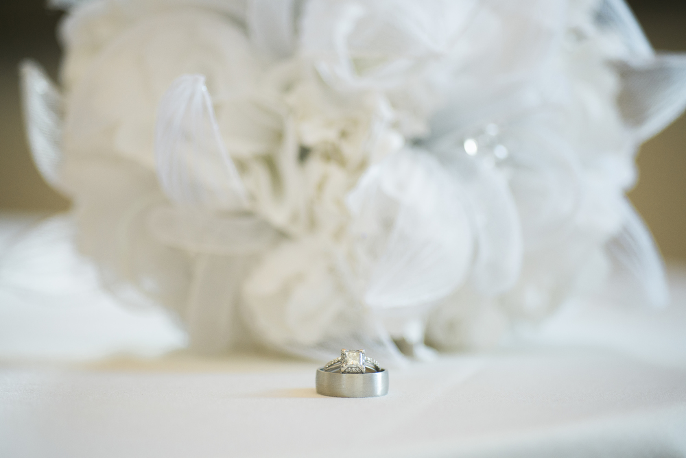 rings-with-bouquet