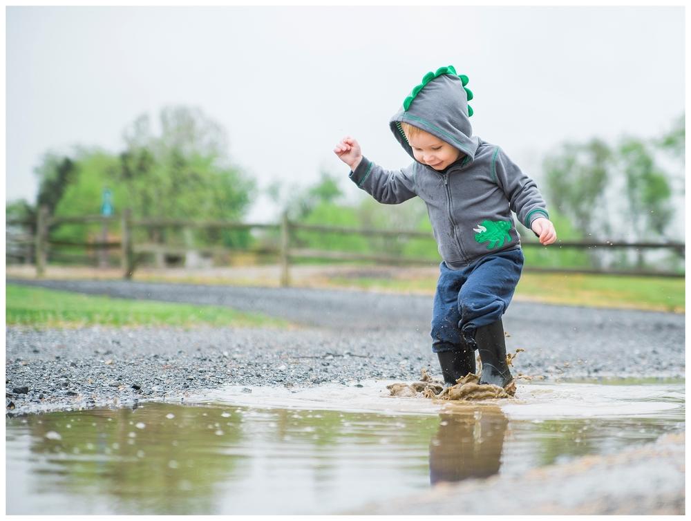 child-puddle-photography