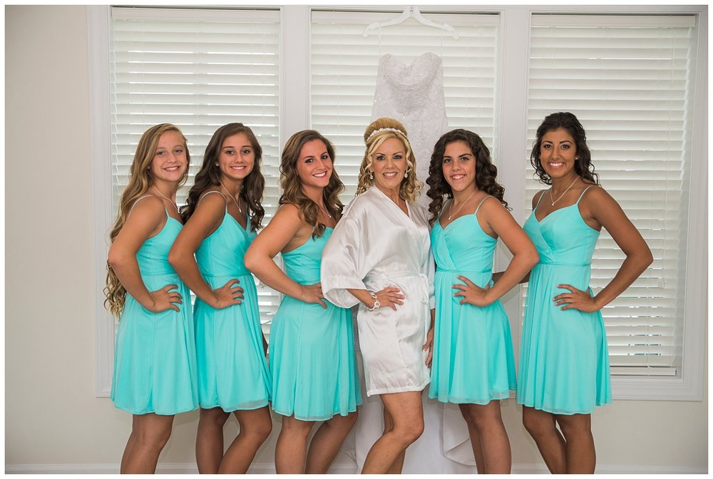 bride-and-bridesmaids-wedding-photographer-lancaster.jpg