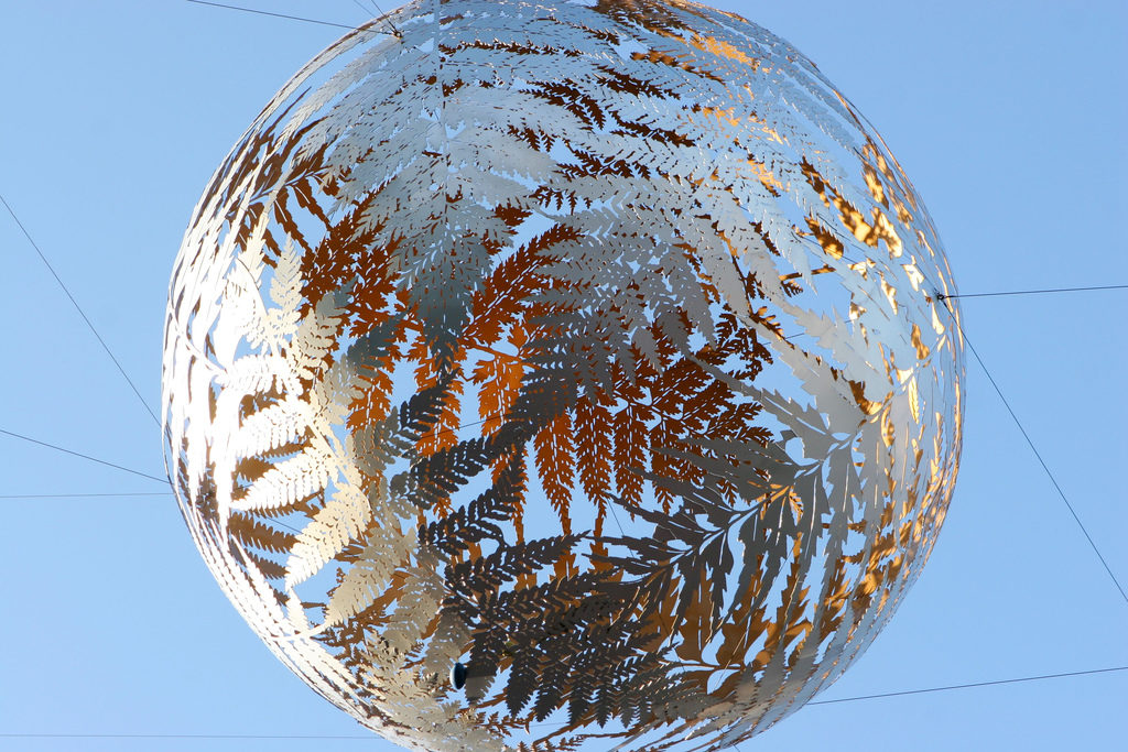 A sculpture made of silver ferns in Wellington, New Zealand // Flickr, Creative Commons