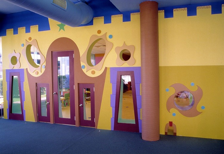 A play space that entertains and intrigues