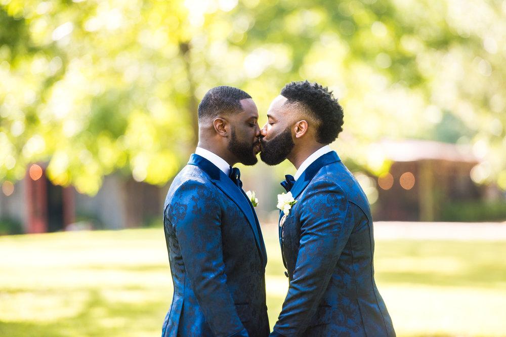 Mr Theodore_Same-Sex weddings Australia_real-wedding24.jpg