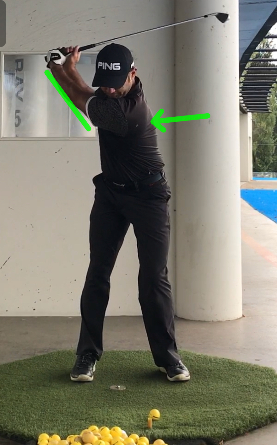 Left arm creating turn and generating width