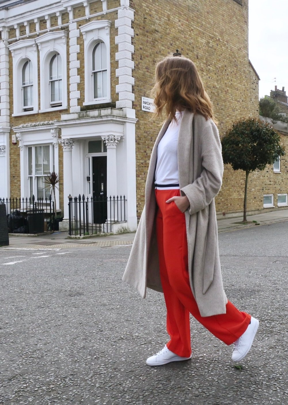 THE GROWN UP EDIT - Red Trousers Street Style