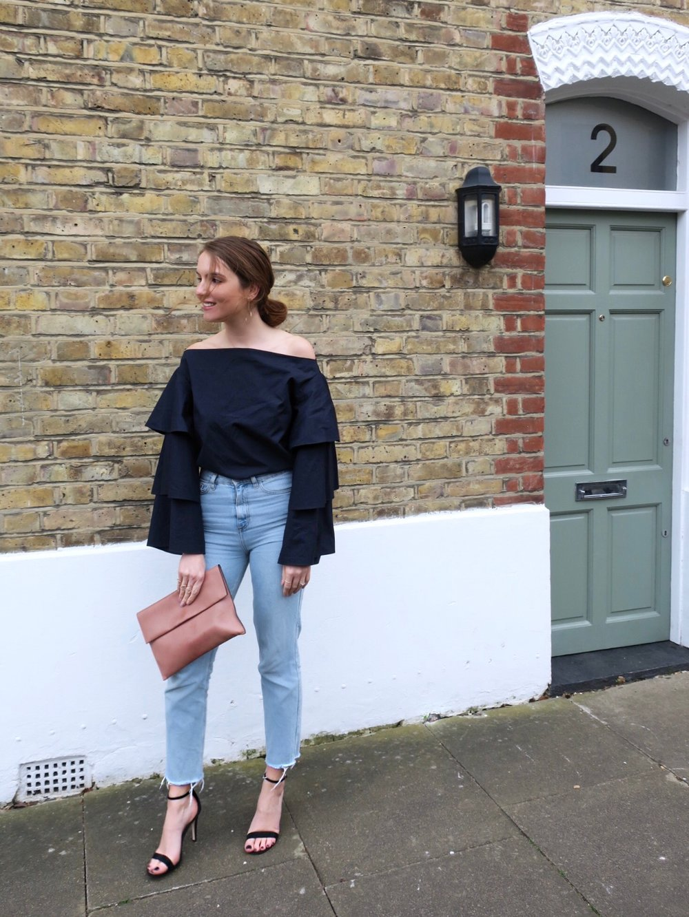 THE GROWN UP EDIT - Statement Sleeves Street Style