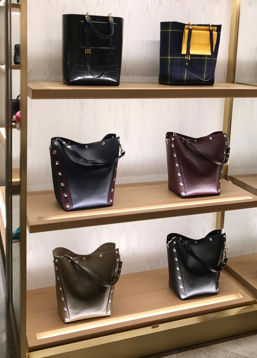 THE GROWN UP EDIT - Mulberry Bicester Village