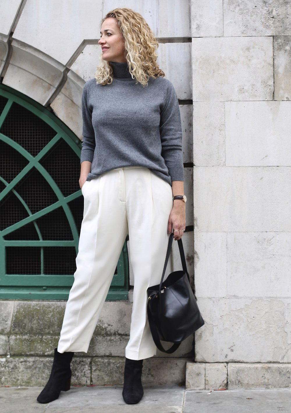 THE GROWN UP EDIT - Massimo Dutti white trousers