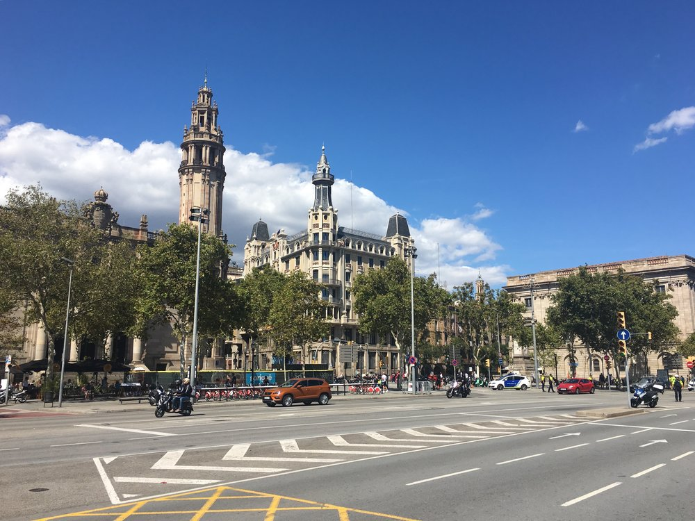 BARCELONA ON A BUDGET - The Grown Up Edit .jpg