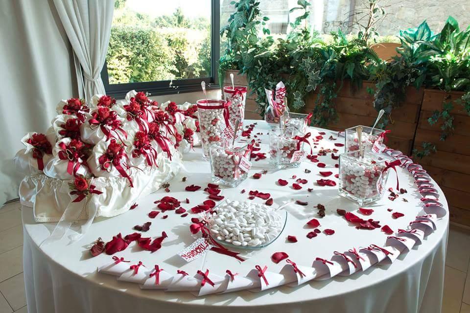 Confettata Matrimonio Natalizio : La confettata — wedding langhe e roero