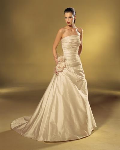 b6796c576d51 abito da sposa sposarsi colore avorio matrimonio idee originali particolare  piemonte cuneo bra wedding langhe e