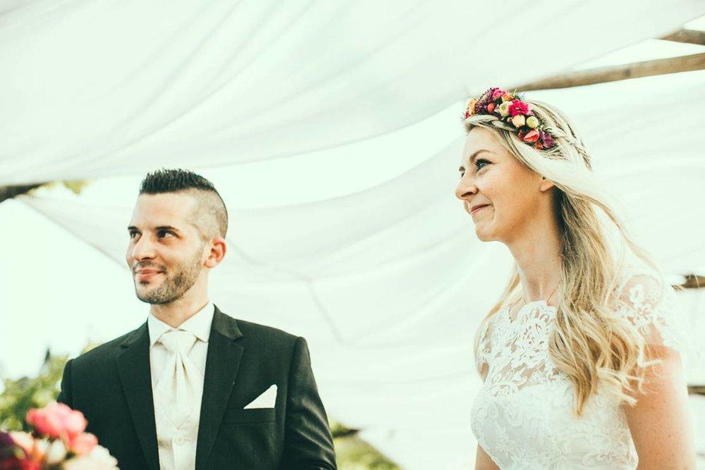 Rotknopf_Hochzeitsanzug_Gatterbauer2.jpg