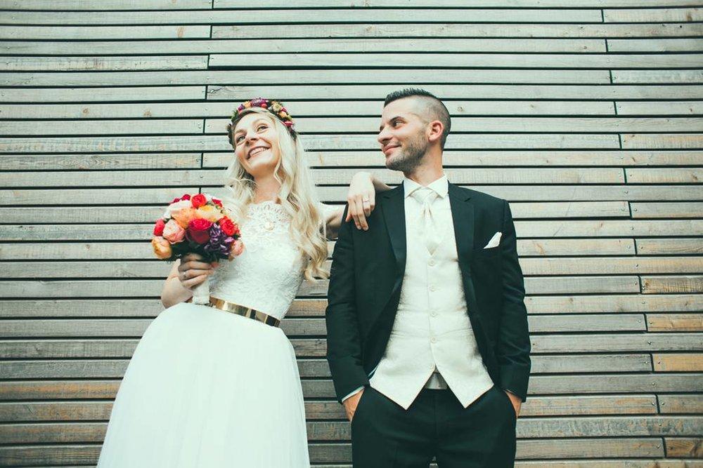 Rotknopf_Hochzeitsanzug_Gatterbauer4.jpg