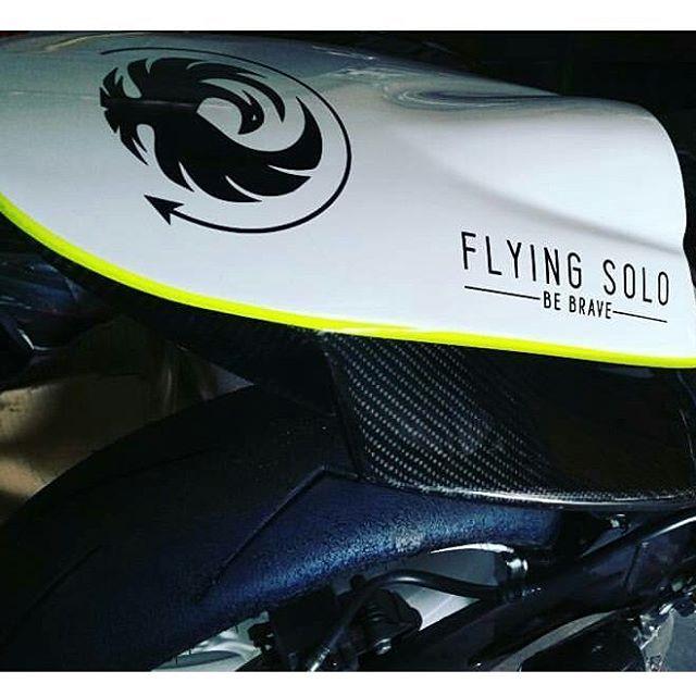 @bussagod 's race bike looking pretty sweet.  #flyingsologear