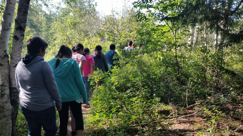 Grades 4 & 5 on a hike during Outdoor Explorations