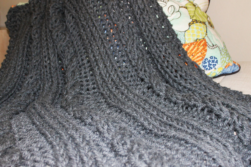 COUNTRY CABLE BLANKET   Hand knitted using mega-chunky yarn and needles