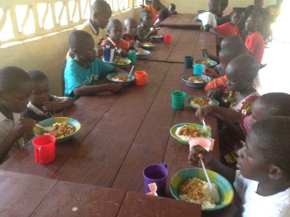 Mealtime at BMI Back to school.jpg
