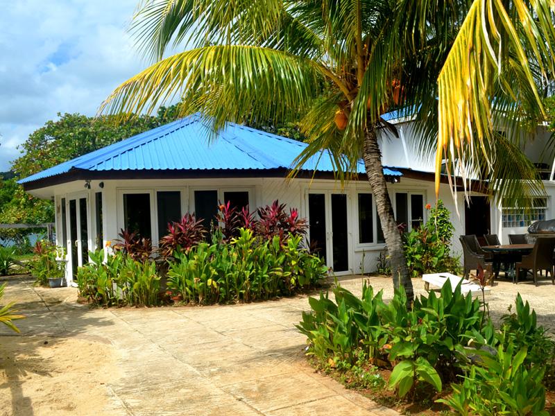 Calabash_Roatan_Resort_02.jpg