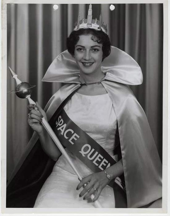 space-queen-strange-vintage-beauty-queens