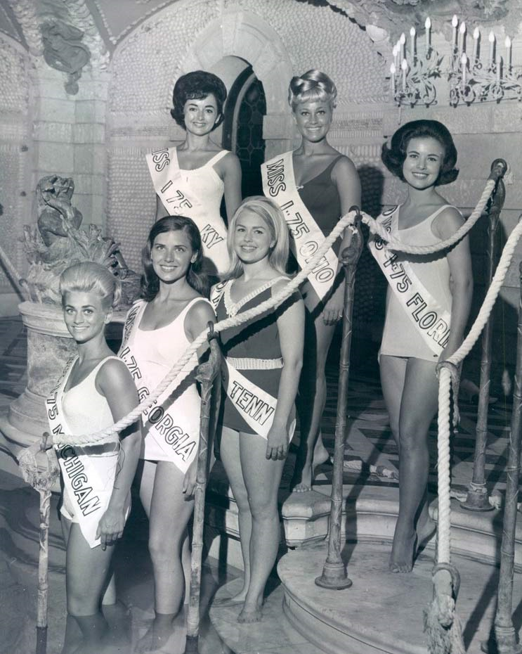 Contestants for Miss I-75 Florida, date unknown