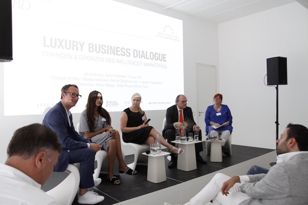 Luxury Business Dialogue
