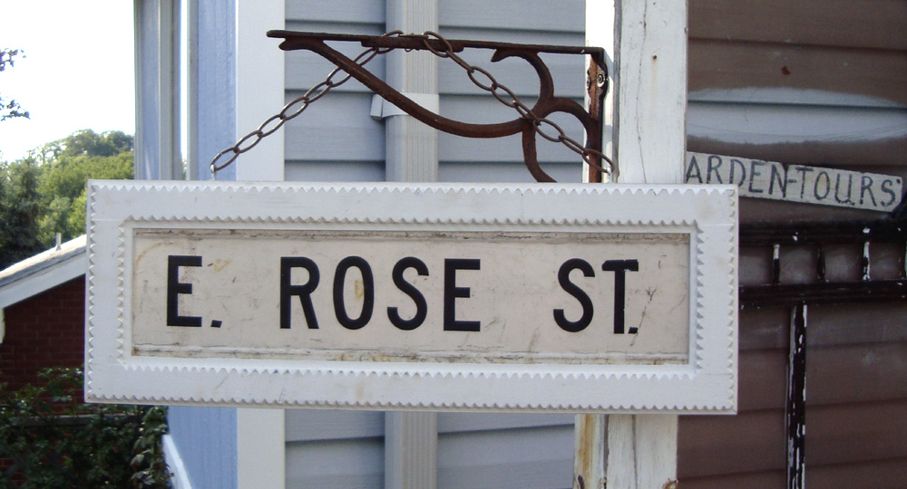 tramp-art-rose-sign-outside.jpg
