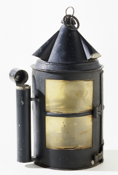 Courtesy, Winterthur Museum, Lantern, 1800-1850,United States, Tinned sheet iron, Horn, Iron, paint, Bequest of Henry Francis DuPont, 1965.2836.