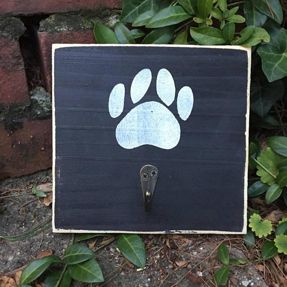 dog pay leash hook.jpg