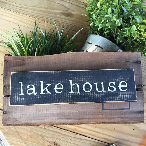 lakehouse sign.jpg