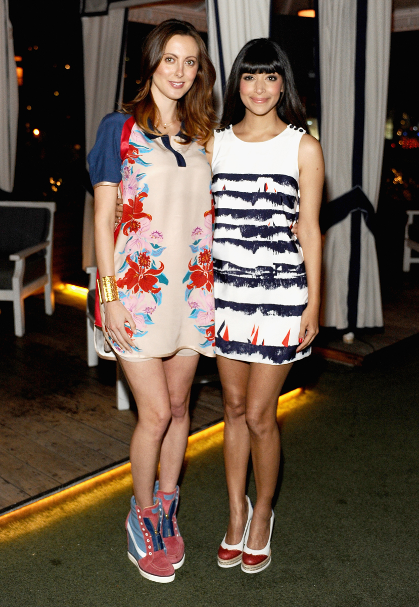 Eva-Amurri-Martino-and-Hannah-Simone.jpg