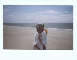 tobacco-beachgirl