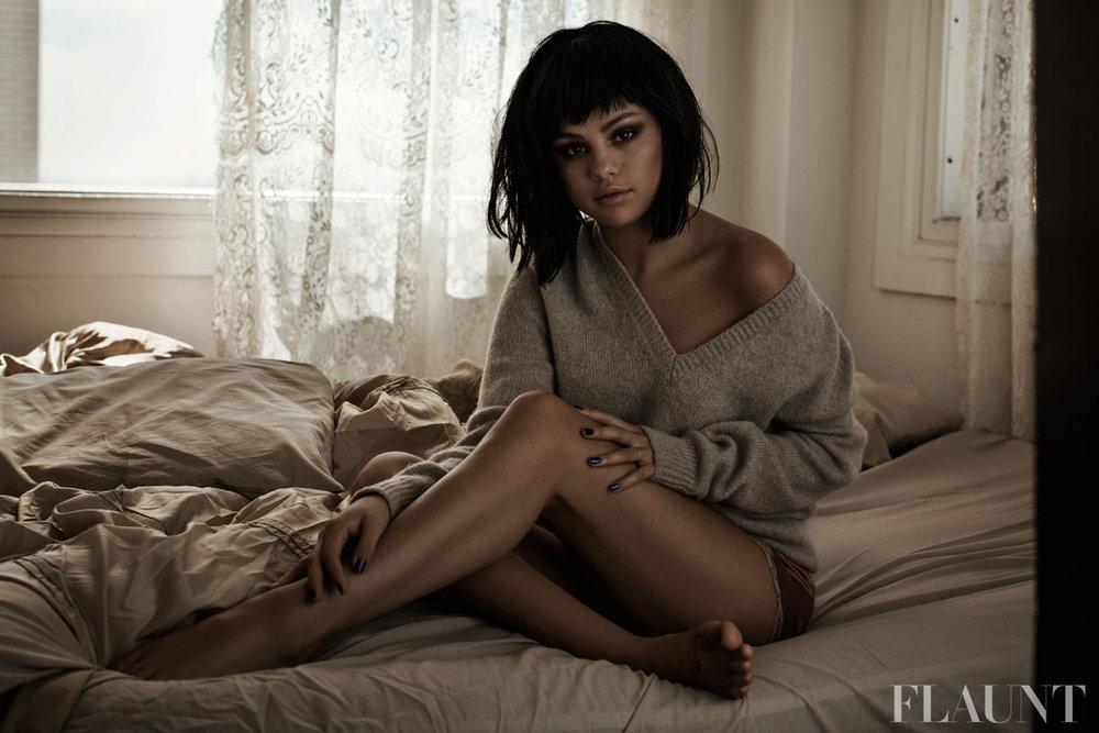 Selena gomez flaunt