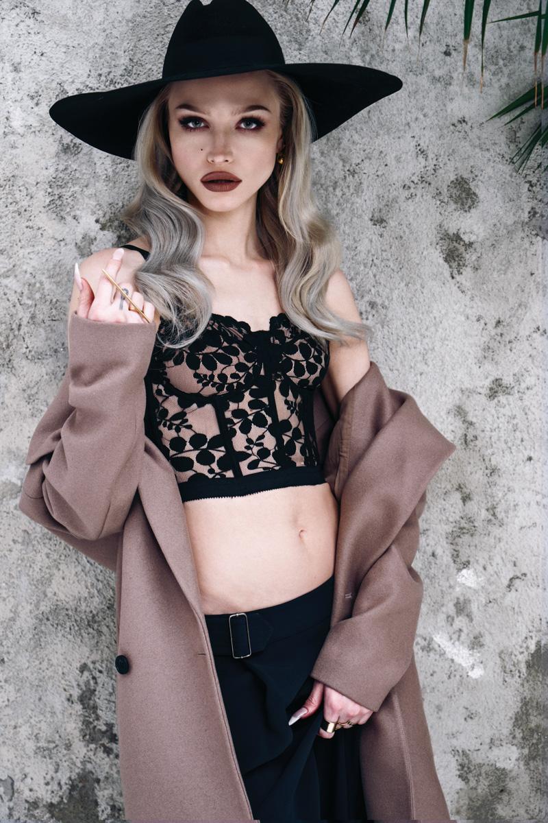 Ivy Levan Nude Photos 40