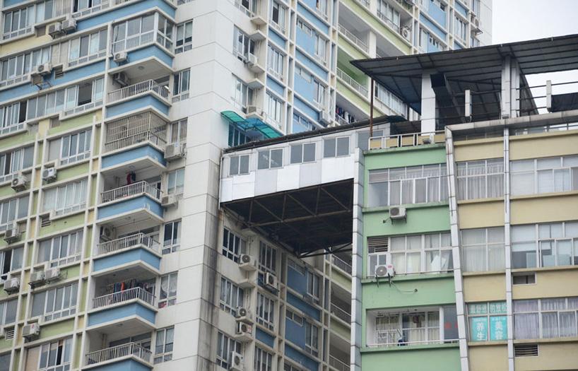 illegal-corridor-bridge-highrise-nanning-china-designboom-01.jpg