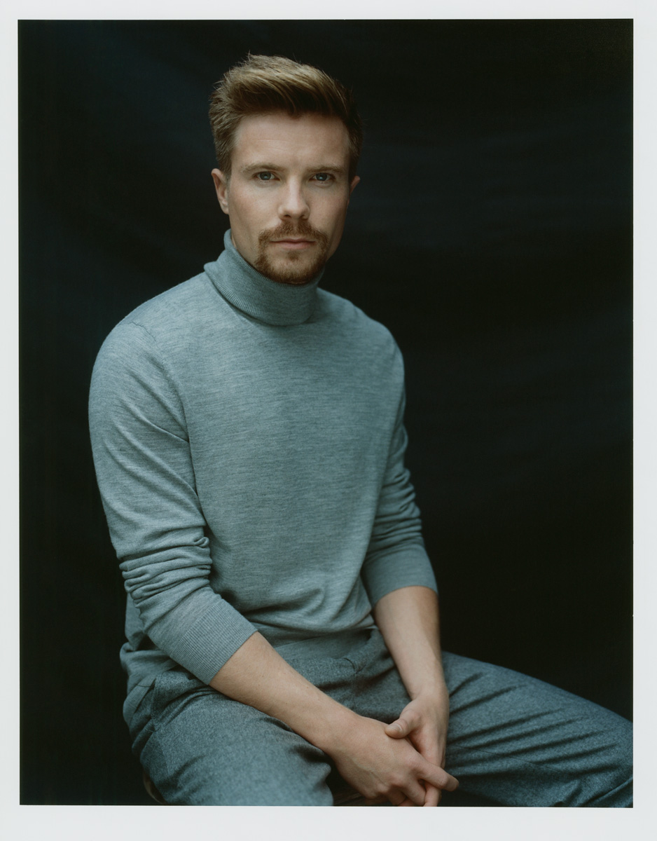 Joe Dempsie (born 1987)