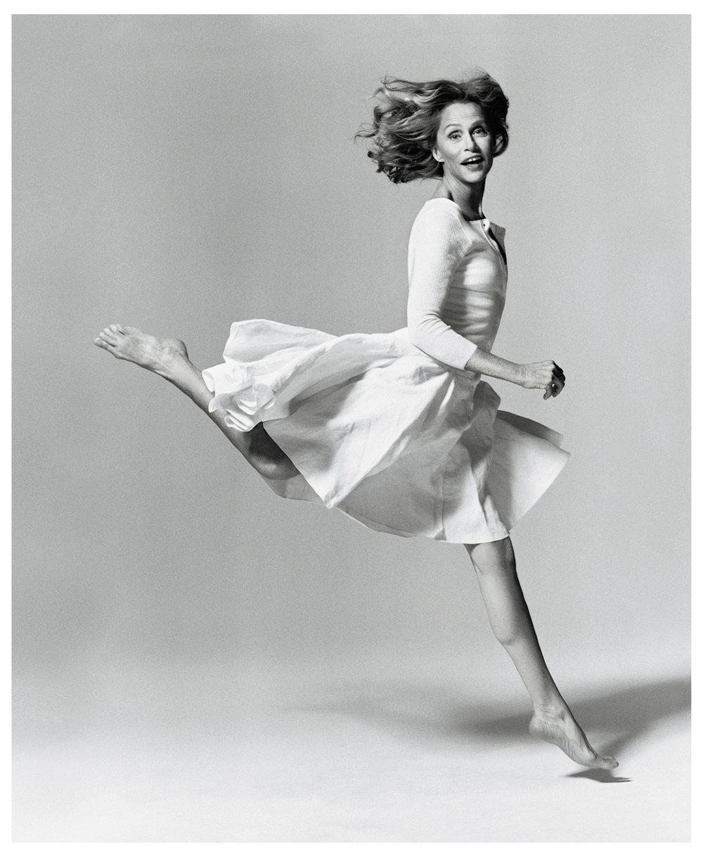 Lauren-Hutton-Jumping.jpg