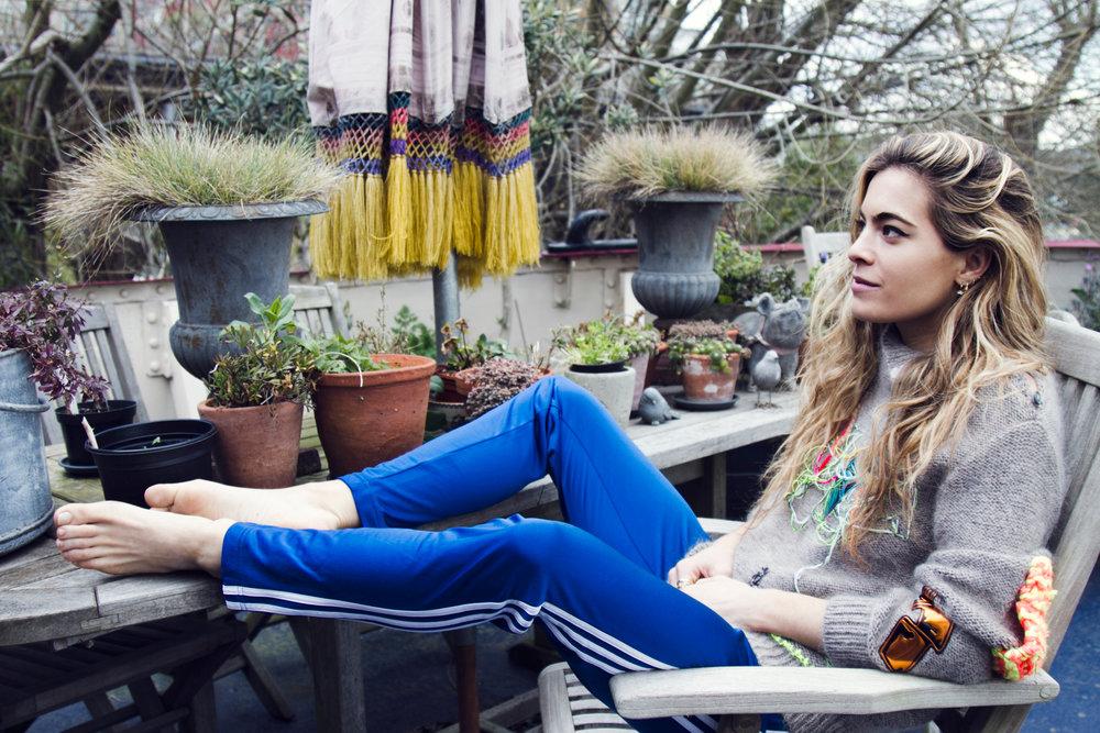 Paparazzi Chelsea Leyland nude (33 photos), Feet
