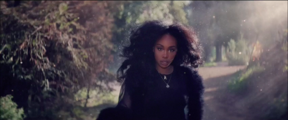 "SZA in ""Supermodel"" video"