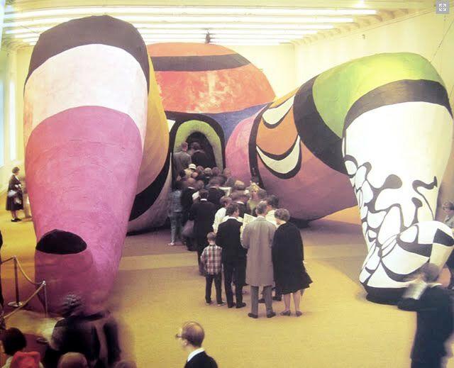 Niki de   st   Phalle, ho-en-  katedral