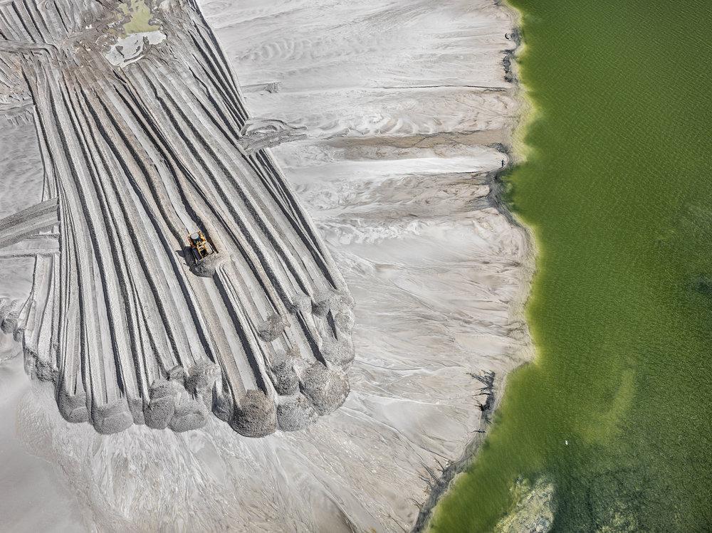 "Edward Burtynsky. ""Phosphor Tailings Pond #4, Near Lakeland, Florida, USA"" (2016). Photo(s) © Edward Burtynsky. Courtesy Robert Koch Gallery, San Francisco / Nicholas Metivier Gallery, Toronto."