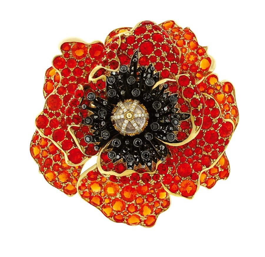 Poppy, Paula Crevoshay, 2012. Opal, moonstone, black diamond, diamond, gold. Courtesy of Crevoshay Studio.