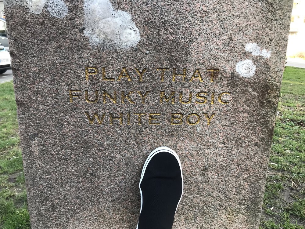 I thought this statue was a historical monument or memorial at first until I began to read... turns out it was simply legendary! I almost wanted to buy some spray paint and cross out the word 'boy' to replace it with 'girl' ... but gotta respect the art. Know what I mean?
