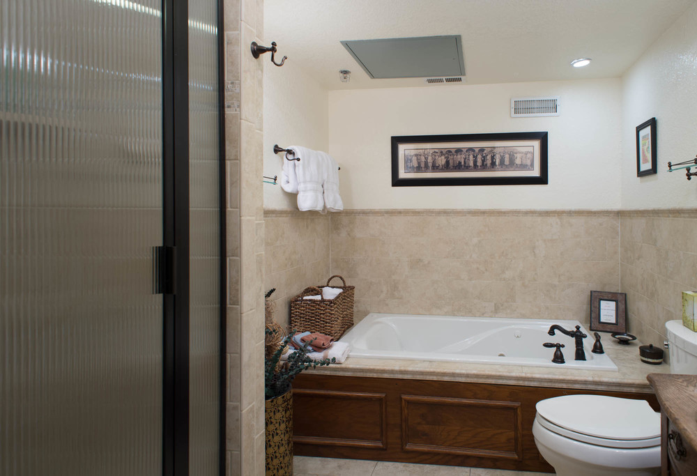 Master Bath with Jacuzzi, Separate Shower