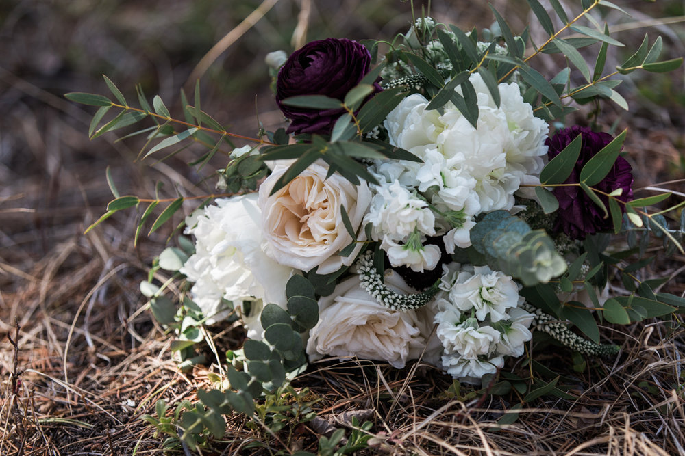 sarah-beau-wedding-photographer-canmore-cornerstone-theatre-25.jpg