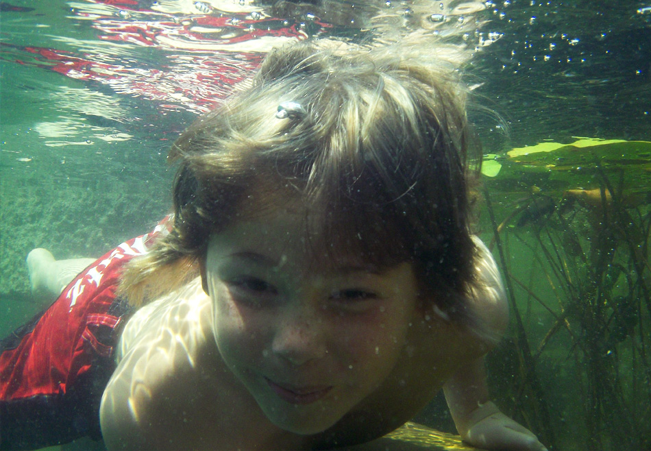 natural_pool_swimming_underwater2.jpg