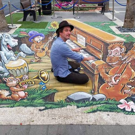 3d-streetpainting-ruben-poncia-3d-streetart-street-art-festival-alufa-israel-2017-animal-bandz-768x432.jpg