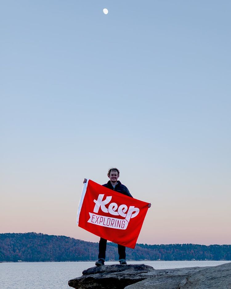 @ratchevetty_23 rocked the flag (and a sweet headband) at Lake Jocasse, South Carolina
